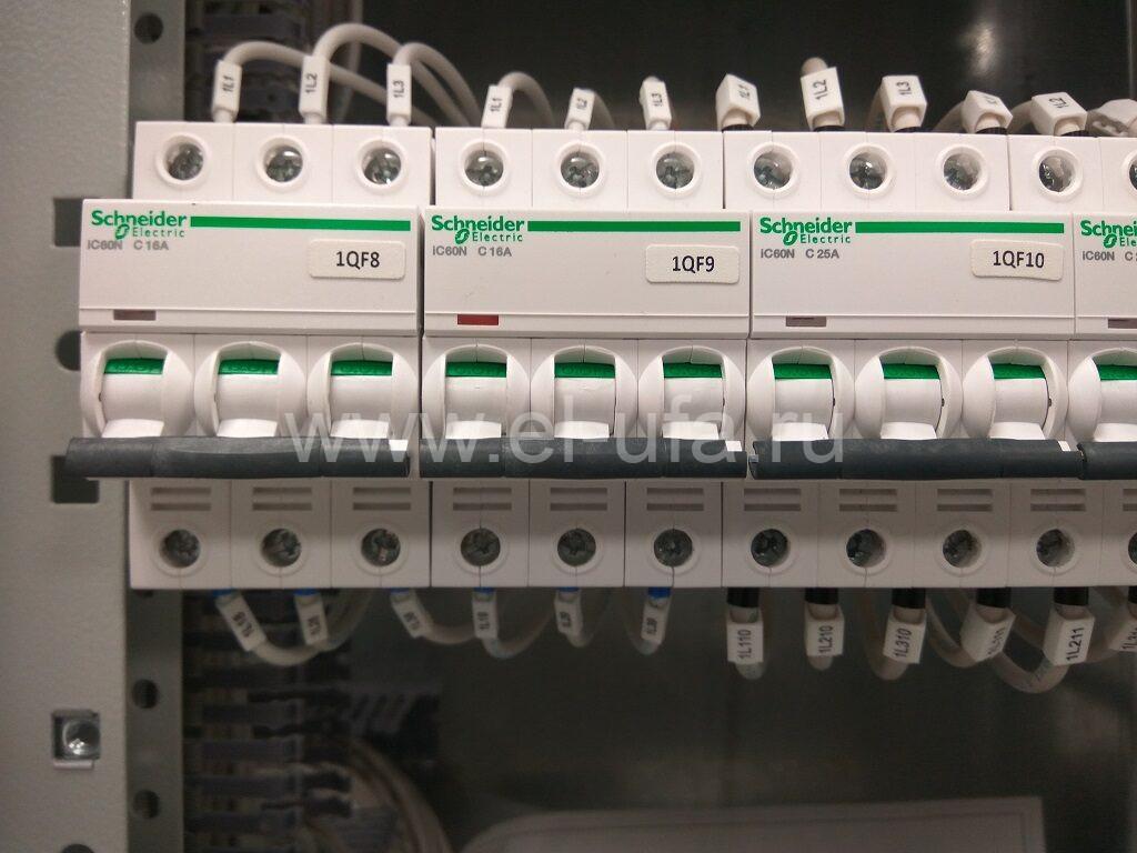 14 Schn. Elec. iC60N 3P