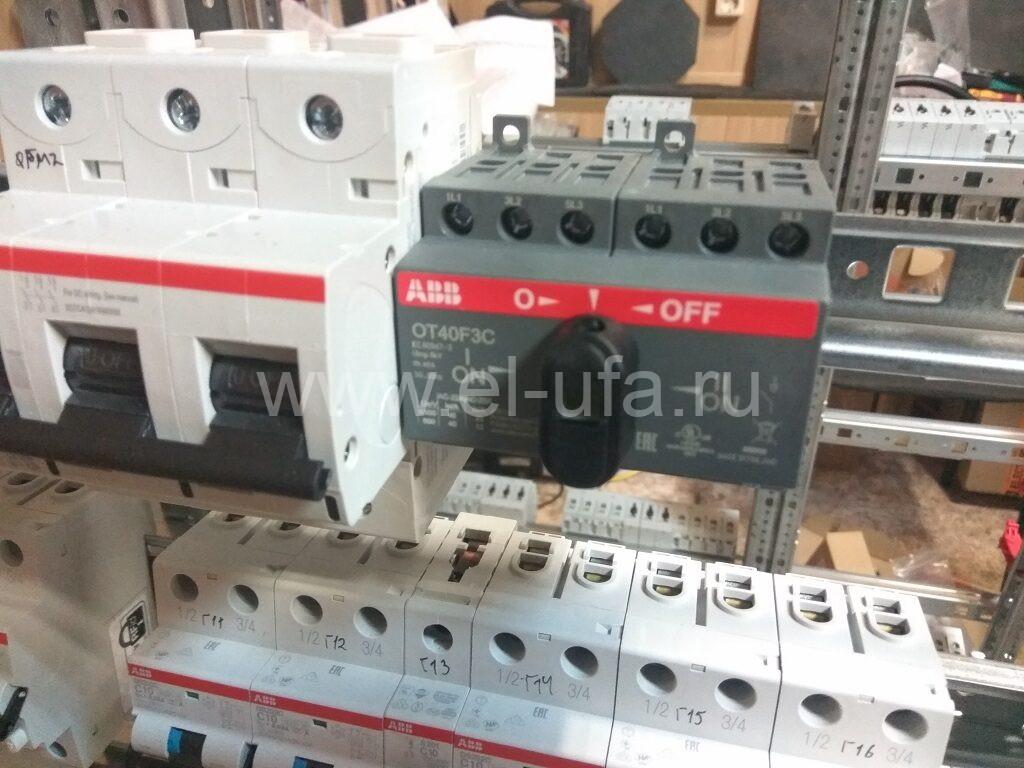 17 Реверсивный рубильник ABB OT40F3С 40А