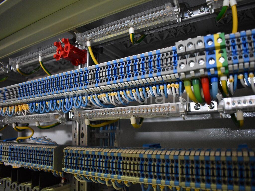 6 - подключенные клеммные зажимы DKC СBC.2, CBC.16